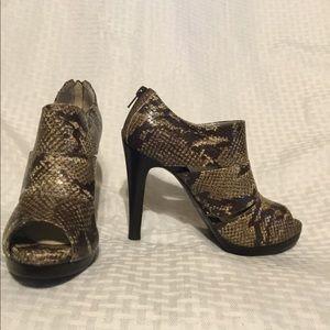 WO Gianni Bini Brown Snakeskin Ankle Booties.
